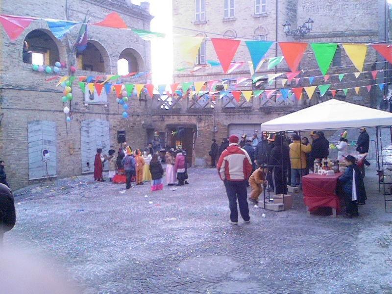 Una Piazza San Niccolò non proprio affollata per il Carnevale dei Bambini 2009